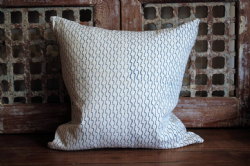 Block print cushion Blue/White pattern
